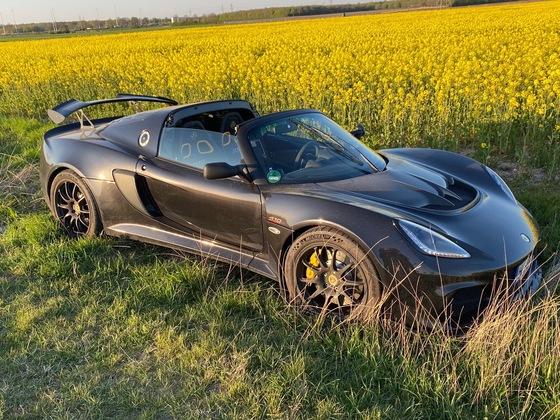 Es ist ein Lotus kein RangeRover :-)