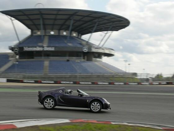Nürburgring Grandprixstrecke, Lotus Elise 111 R; Bild aufgenommen von frozenspeed